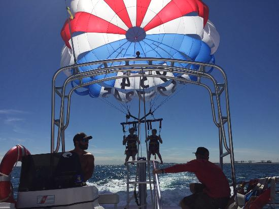 aloha watersports parasailing lift off