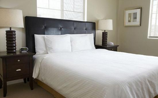 Oakwood At Avalon Grove: Oakwood Sample Bedroom PP