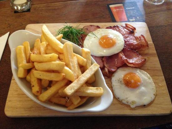 Probus, UK: Quality Gammon Steak, Egg and Chips