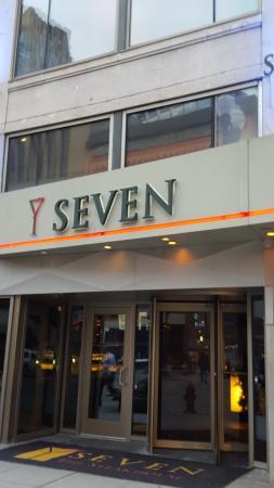 Hotels Near Seven Restaurant In Minneapolis