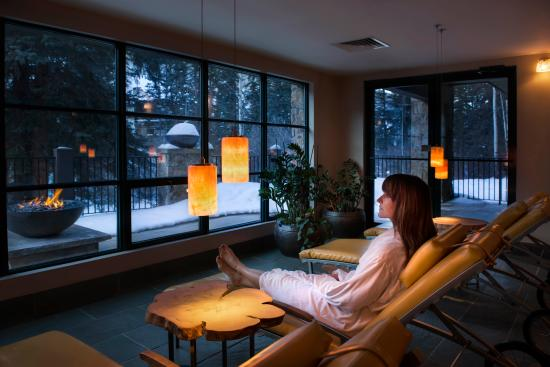 Vail Mountain Lodge: Spa Solarium & Firebowl