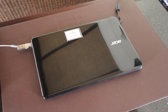 Ansara Hotel: Laptop for guests.