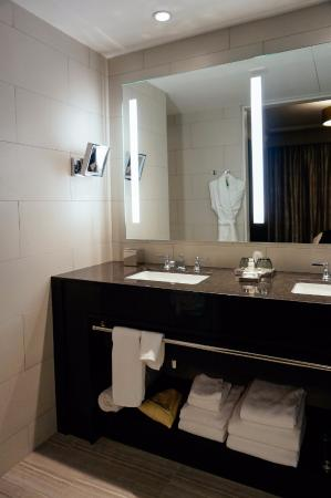 bathroom picture of the st anthony a luxury collection hotel rh tripadvisor com