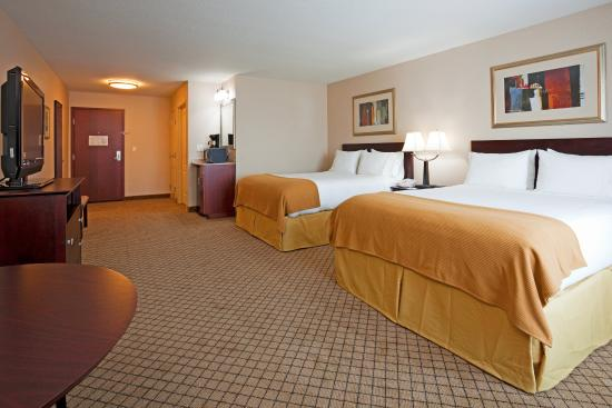 Holiday Inn Express Hotel & Suites Winona: Queen Bed Guest Room