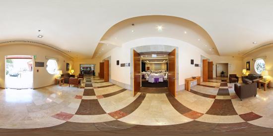 Fiesta Inn Cuernavaca: Foyer