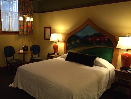 standard room picture of mcmenamins anderson school hotel bothell rh tripadvisor ca