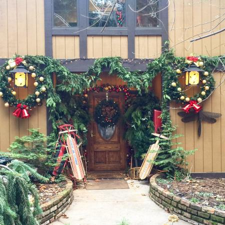 Harmony Ridge Lodge: Front Entry (outside)