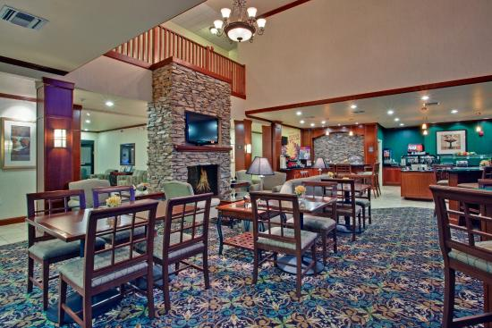 Staybridge Suites Tucson Airport: Guest Dining Lounge