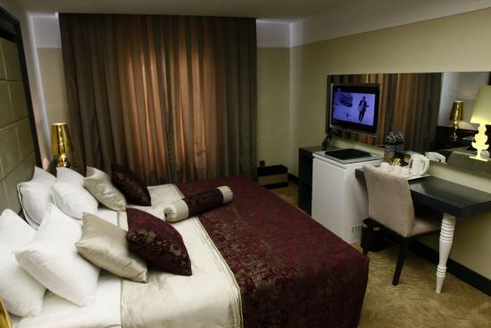Mirilayon Hotel: Junior Suite