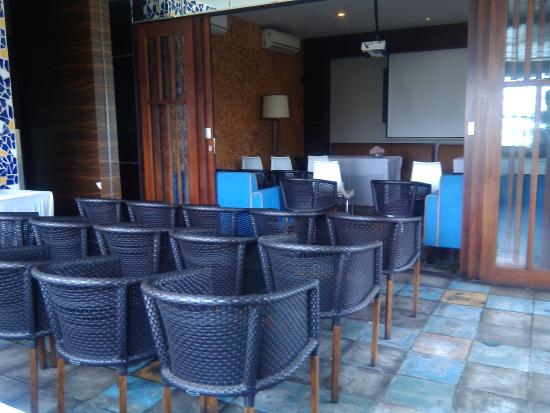 our teracce picture of soeryo cafe steak jakarta tripadvisor rh tripadvisor co za