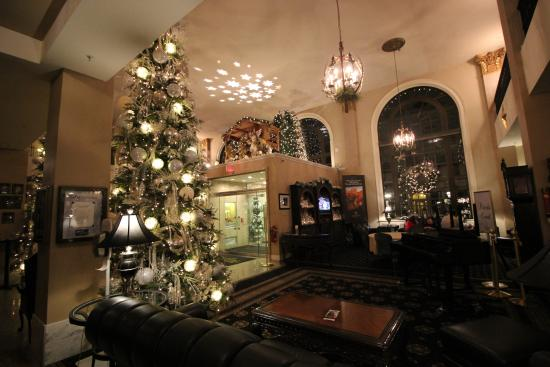 Christmas Decorations In Hotel Lobby : Christmas decorations in the lobby picture of historic