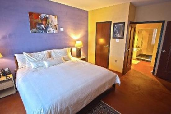 Inn at The Black Olive: Guest Room