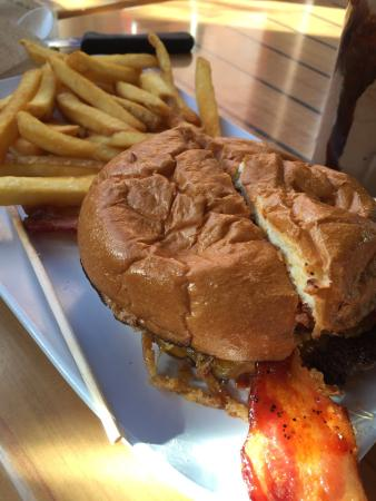 Crave: Specialty Burgers
