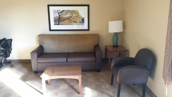 Extended Stay America - Dallas - Farmers Branch: Very large room,  clean,  good furniture!