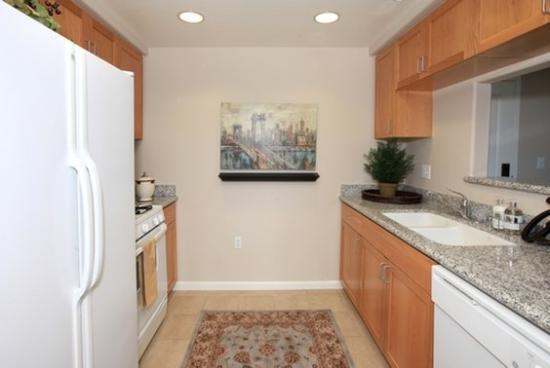 Gateway Villas: Kitchen