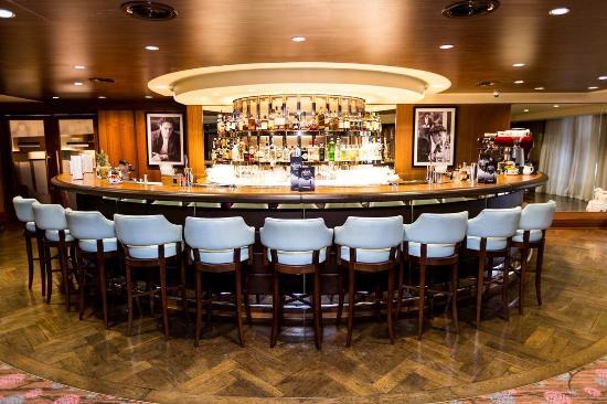 Bar Area Picture Of Hilton London Syon Park Brentford Tripadvisor