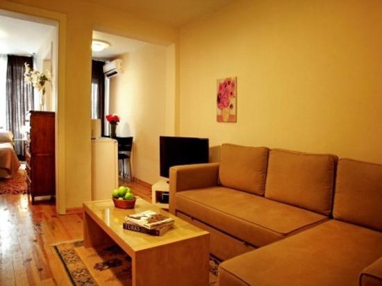 Istanbul Suites: Budget Flat
