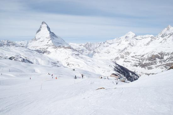 European Snowsport Zermatt Ski School: another beautiful day in paradise