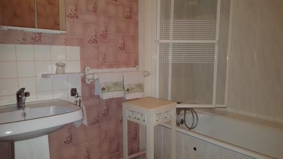 Les Petites-Loges, France: salle de bain