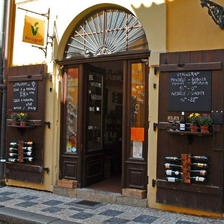 Vínograf wine bar