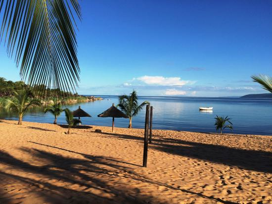 Isanga Bay Lodge: Beach view