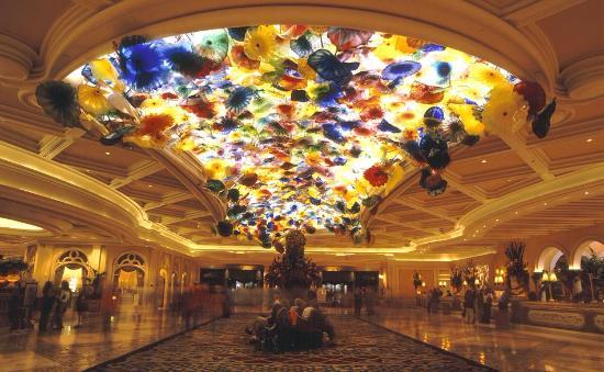 Казино отель bellagio вулкан казино копеечные