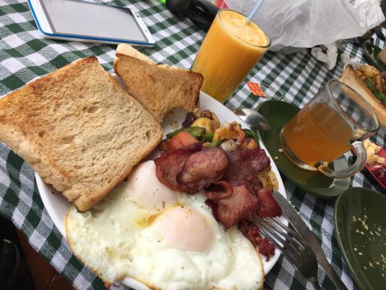 Lemon Grass Restaurant : nice breakfast.....yummy