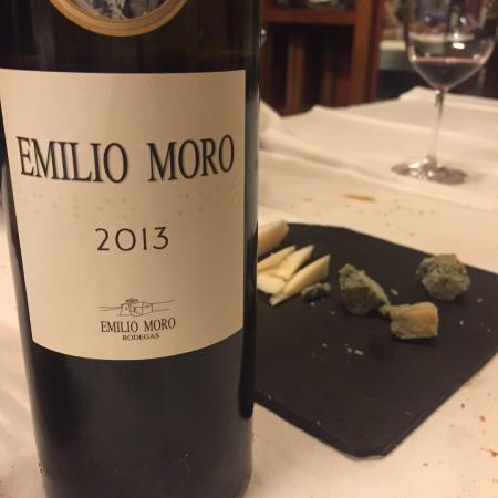 Museo del Vino: Beber y comer