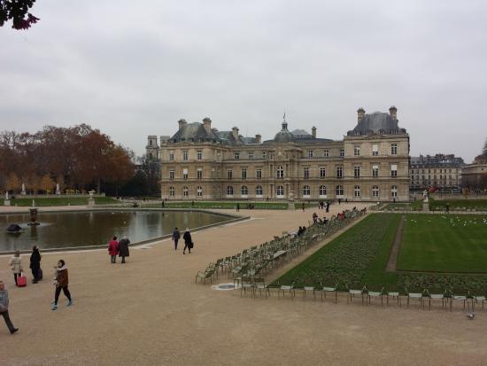 Um Dos Arranjos Que Decoram O Local Picture Of Luxembourg Palace Paris Tripadvisor