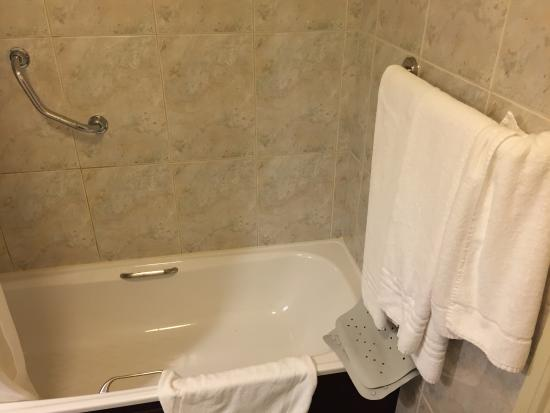 Castlecourt Hotel Photo