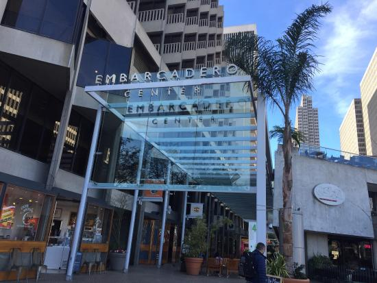 Embarcadero Center: The restaurants at the center