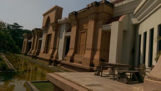 博物館外景 - Picture of Angkor National Museum, Siem Reap ...