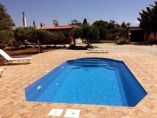 Elia stavros villas bewertungen fotos preisvergleich for Swimming pool preisvergleich