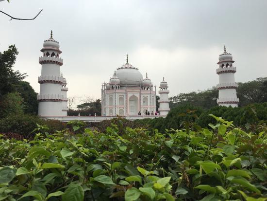 Narayanganj, بنجلاديش: Banglar Taj Mahal