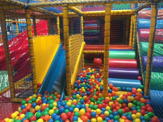 Pontarddulais, UK: Ball Pool