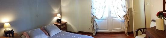Les Abris-Cotiers: chambre étage