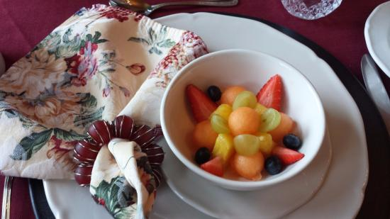 The St. Mary's Inn: Breakfast begins with a fresh fruit cup.