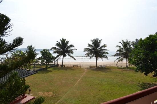 Kadolana Beach Resort : View from the balcony on the first floor