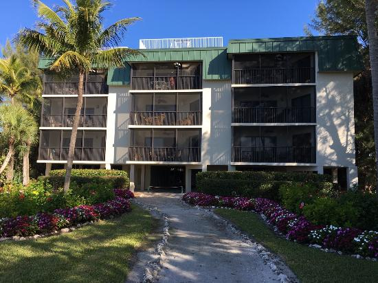 Sayana Condominiums Photo