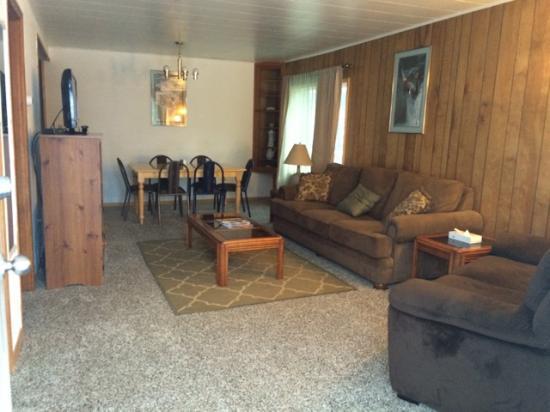 Soldotna Inn : Apartment Living Room