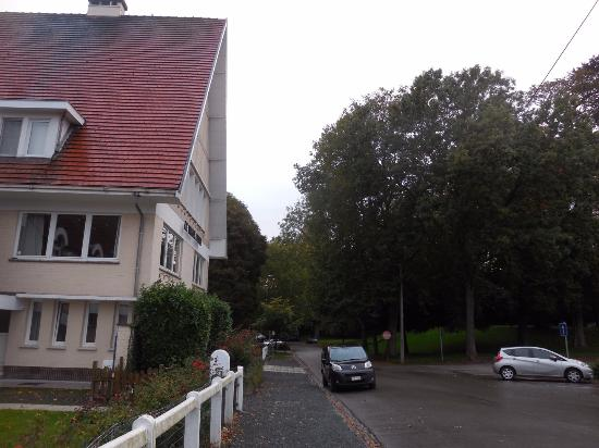 Hotel Auberge du Vieux Cedre: Peaceful park setting