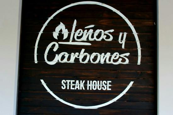 Leños y Carbones Steak House