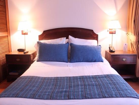 Hotel Baviera: Así estaba la cama cuando llegué a la habitación
