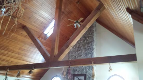 Premier Carriage House Cottages: View of detail work on the ceilings