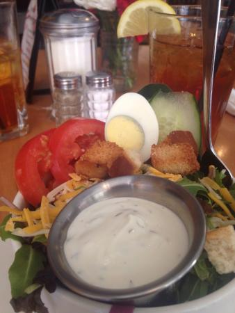 Stanford, KY: House salad, just the right size for a side, and beautifully served.