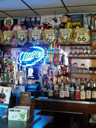 Hamel, IL: bar area
