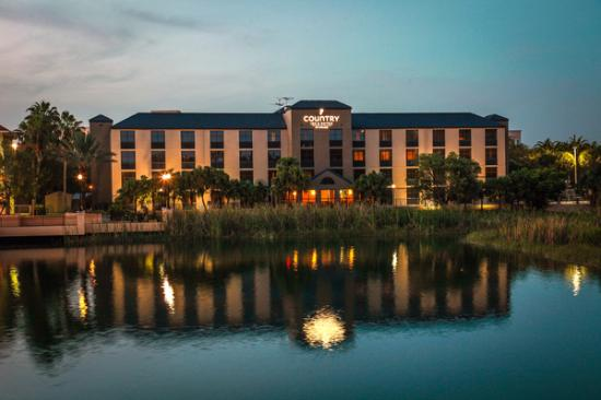 Country Inn & Suites By Carlson, Miami (Kendall): Lake side