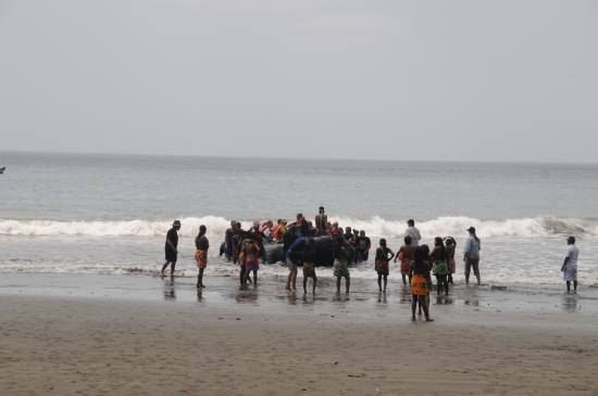 Darien Gap Panama: Landing on the beach close to the Embera tribe village