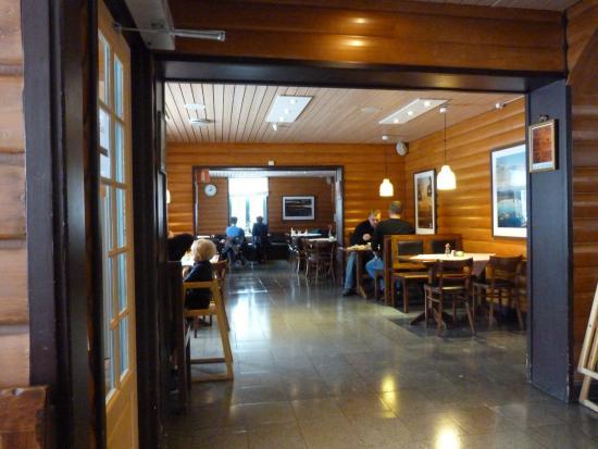 Bahnhof Cafe: Interior