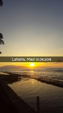 Пайя, Гавайи: Sunsets are just the most amazing in MAUI.... Aloha!